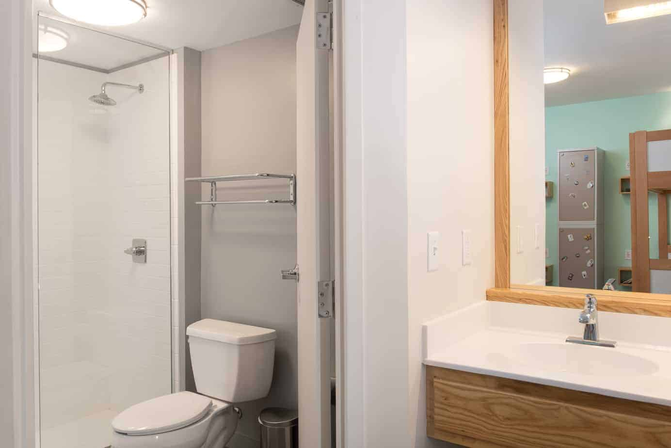 standard-quad-room-7-the-quisby-new-orleans-hostel